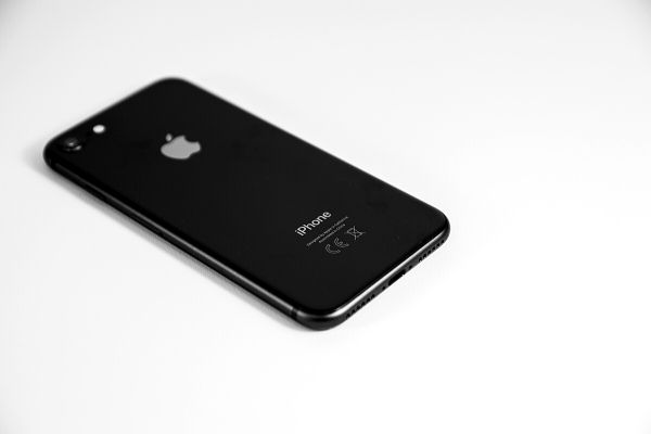 iPhone XR以前のiPhoneは楽天アンリミット非対応